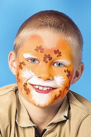 Leopard schminken: Schritt 2