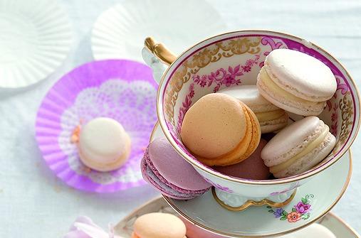 OsterbrOsterrezept: Bunte Macarons mit feiner Buttercremeunch