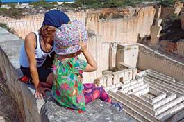 Kinder auf Menorca im Urlaub