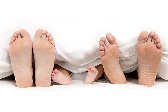 Mythos Babyerziehung: Das Elternbett ist tabu!