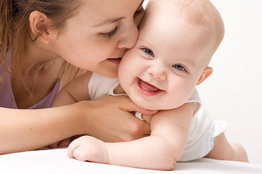 Mythos Babyerziehung: Babys sollten nicht verwöhnt werden.