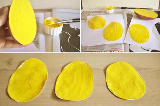 Osterhühnchen: Stempeln und ausschneiden