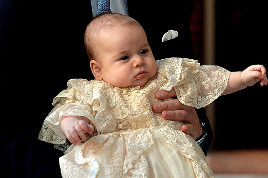 Prinz George im süßen Taufkleid (Foto: Getty Images)