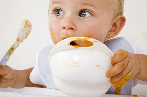 Wie das Fruchtwasser schmeckt ist dasvon abhängig, was die Schwangere gegessen hat.