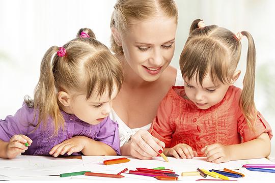 Silvester mit Kindern: gute Vorsätze malen