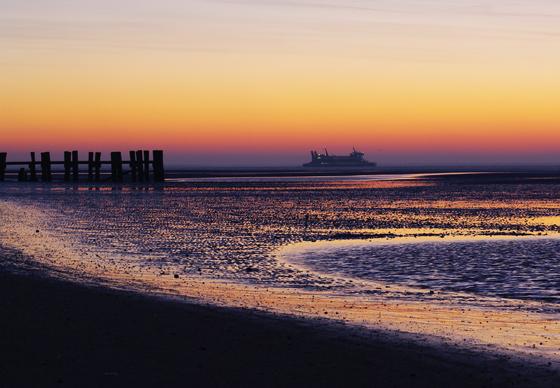 Sonnenaufgang am Wyker Südstrand von Föhr