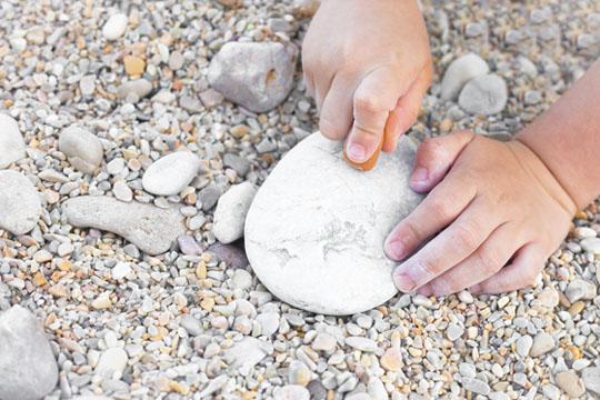 Aktivitäten mit Kindern: Steine