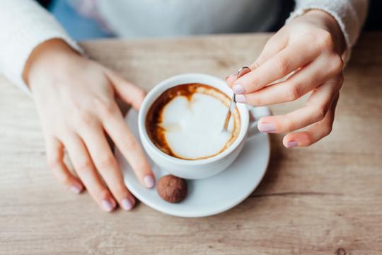Kaffee trinken und stillen?