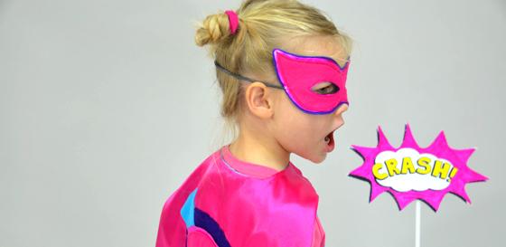 Superhelden-Kostüm: Maske