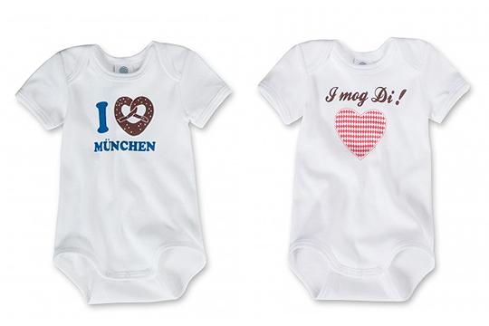 Trachten für Babys: Bodies mit Print von Sanetta