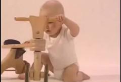 Video zur Baby-Entwicklung: 10. Monat