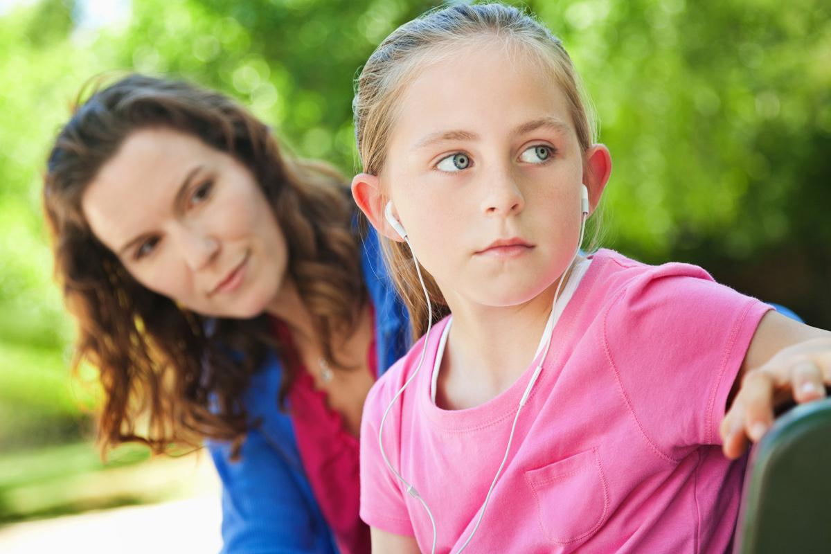 Vorpubertät: Mädchen und Mutter