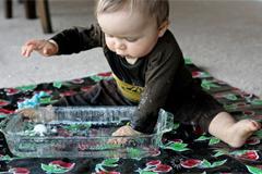 Wasserspiele für Babys