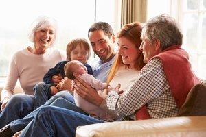 Leibliche oder rechtliche Eltern – im Geburtsregister wird es dokumentiert.