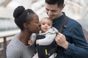 Private oder gesetzliche Krankenkasse: Wie versichere ich mein Kind?