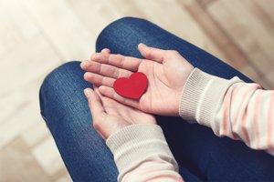 Fehlgeburt: Anzeichen, Ursachen und Risiken