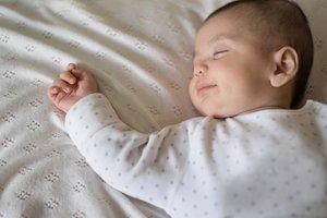 Vor allem die Eltern sind glücklich, wenn das Kindelein endlich schläft.