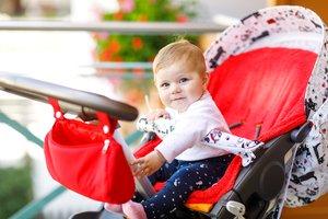 Beruhigend und hilfreich für Mutter und Kind: der Kinderwagen-Organizer