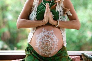 Belly Painting Mandala Mehendi