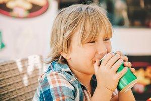 Für viele Jugendliche sind Energydrinks ein beliebtes Erfrischungsgetränk.