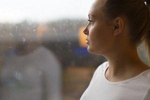Stress in der Schwangerschaft betrifft alle werdenden Eltern. Wichtig ist es, einen Ausgleich zu finden.