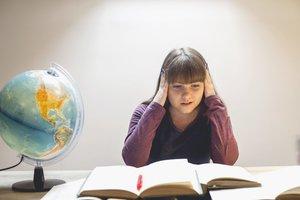 In der anstrengenden Lernphasen zum Schulabschluss braucht dein Kind deine Unterstützung.