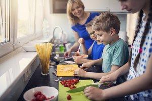 Mit Kindern kochen: Zehn glorreiche Rezepte