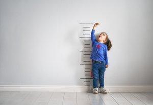 Wie groß ist mein Kind im Vergleich mit Gleichaltrigen? Die Perzentile gibt Auskunft.