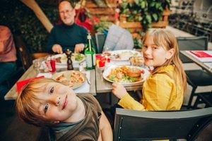 Kinder sind in Restaurants nicht immer willkommen.