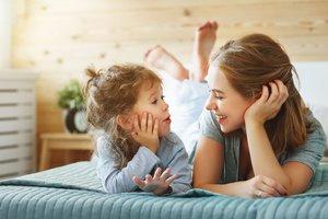 Miteinander reden ist die beste Sprachförderung zur Sprachentwicklung eures Kindes