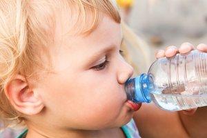 Als Durstlöscher kaum zu toppen: ganz einfaches Wasser