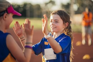 Typisch Mädchen: 7 Tipps, wie ihr Stereotype vermeidet