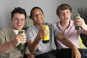 Fast drei Viertel aller Jugendlichen lieben Energydrinks
