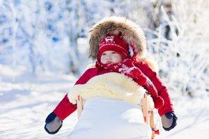 Lammfelle können im Babybett, Kinderwagen oder Schlitten genutzt werden.