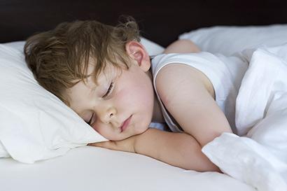 Warum genug Schlaf für Kinder so wichtig ist