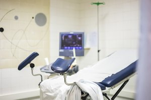 Ausschabung nach Fehlgeburt: Gynäkologischer Stuhl